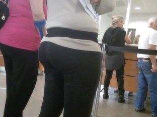 Big ass in legging