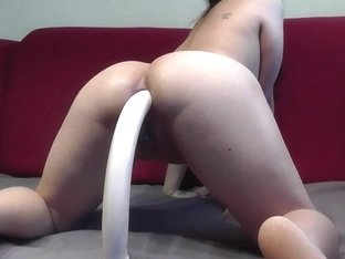 Mega dildo in ass