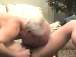 60yo couple fucks on the floor