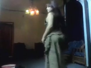 Bewitching Arab butt shaking