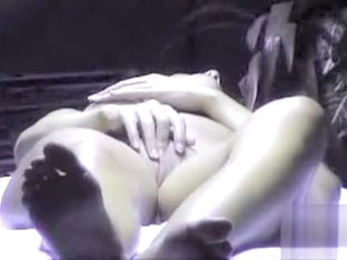Sexy girl masturbates in the tanning bed