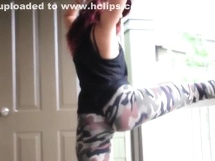 Incredible twerk livecam teenager clip