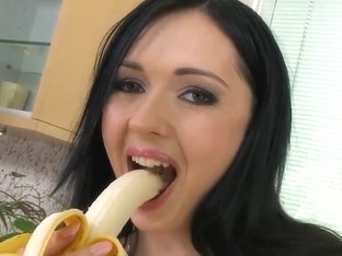 Delicious brunette Angell Summers with big boobs and plump ass treats us with banana