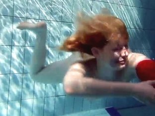 UnderwaterShow Video: Lucie