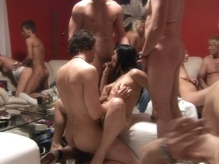 Amateur Swingers House Party