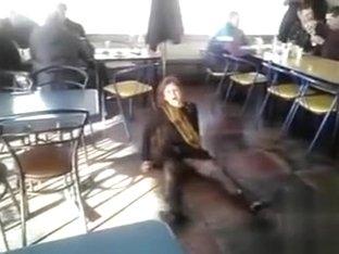Drunk babe shows off her seductive snatch