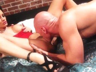 Alektra Blue gets a hot cunnilingus and sucks a dick