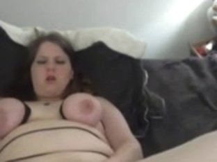 Chubby Binds her Breasts and Cums Hard - negrofloripa