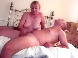 Mature welsh wife pantyhose handjob