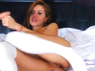 Xxkiraxx rubs pussy and sucks dildo