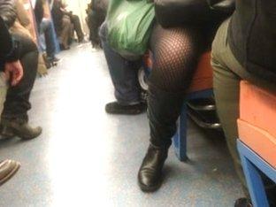 upskirt subway paris