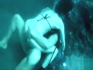 Scuba diving couple fucks in the ocean