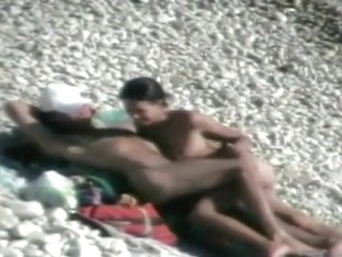 Loose slim babe rides on a throbbing pecker at the beach of Crimea