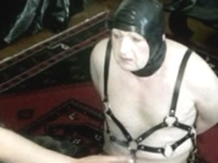 Dominatrix makes her slave obey her fetish wishes