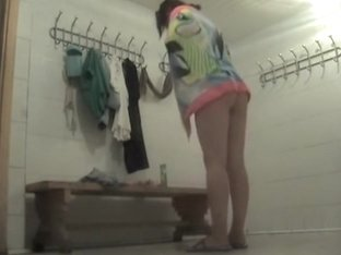 Two sexy MILFs wipe their wonderful bodies in the changing room