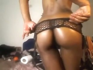 Hawt darksome sweetheart doing cam anal sex with large sex tool in her gazoo