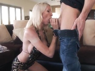 Emma Starr is gonna suck on a huge done