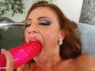 Solo hottie Gilda Roberts masturbating on Give Me Pink with passion