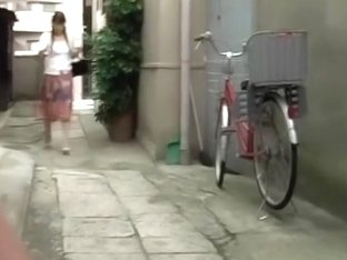 Sharking skirt from a sexy Asian hottie with no panties on