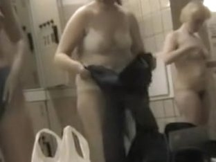 Big titted amateur from change room losing off her jeans