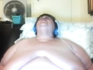 I am a lascivious granny and I just love masturbating in front of my web camera