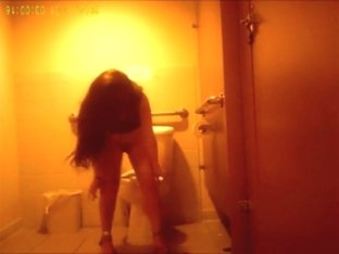 Voyeur tapes many partygirls taking a piss in a club toilet