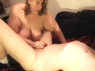 Mature woman masturbates on webcam