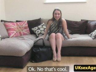 UK amateur anus nails agent after toying ass