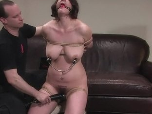 Amateur Casting Couch 12: Karin Sin - A woman who knows what she likes to be fucked with!