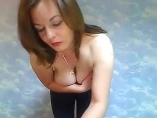 Big breast amateurs clip shows me stripping on webcam