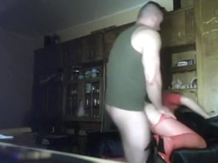 Dude sets up the cam, gets his gf and gives her a good fuck on the sofa.