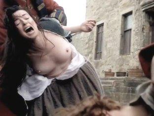 Outlander S01E02 (2014) Laura Donnelly, Caitriona Balfe