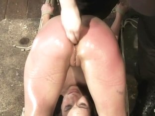 Amber Rayne Live Show Part 3 - Bent and Fisted