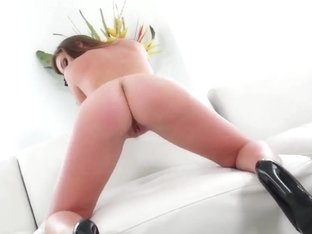 It does look normal when Maddy OReilly and Riley Reid suck it