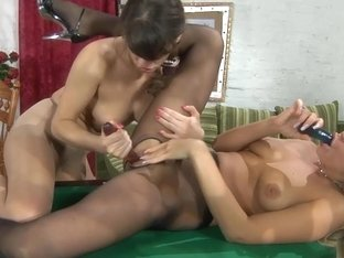 Pantyhose1 Clip: Dolly and Gertie