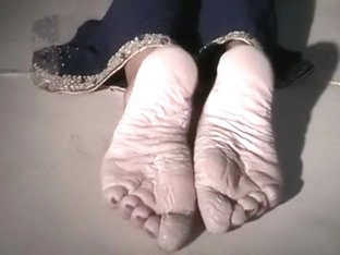 Bianca wet pruney feet