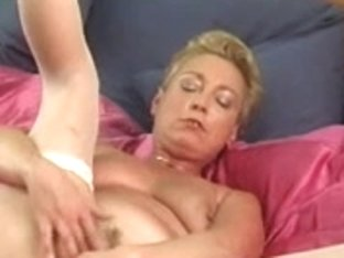 Lady Shows All 68