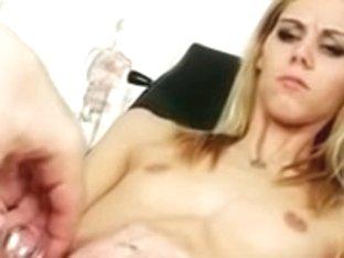 Model At Gyneco N15
