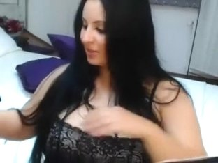 Showing my sexy curves in webcams amateur vid