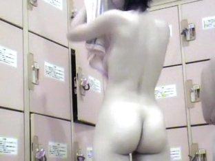 Voyeur dressroom part 18