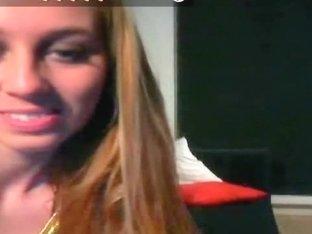 Webcam blonde toys her shaved pussy