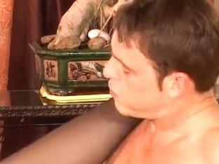 Fausgedehnt in den Arsch gefickt-two
