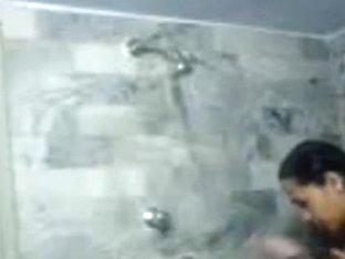 desi hotty taking bath