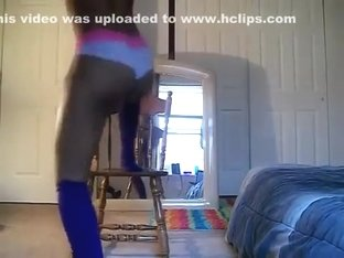 Exotic arse popping web camera dance video