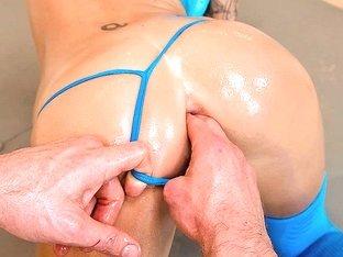 Wide Open Ass !