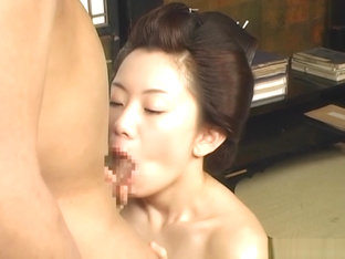 Japanese AV Model hottie gets mature pussy licked