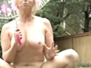 Outdoor mama