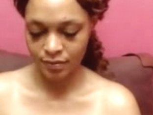 Light skinned ebony babe with big love melons webcam