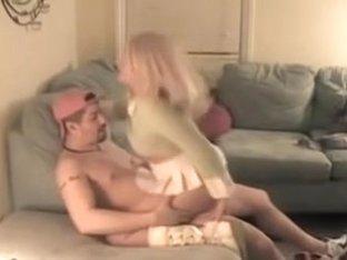 Slutty cuckold women welcomes bf of her man