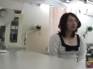 Japanese bitch went on a pussy exam that went wrong